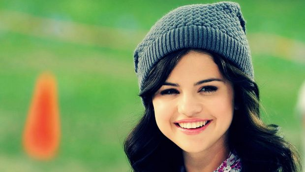 Free Desktop Selena Gomez Wallpapers Download.