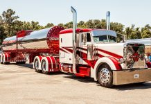 Semi Truck HD Wallpaper.