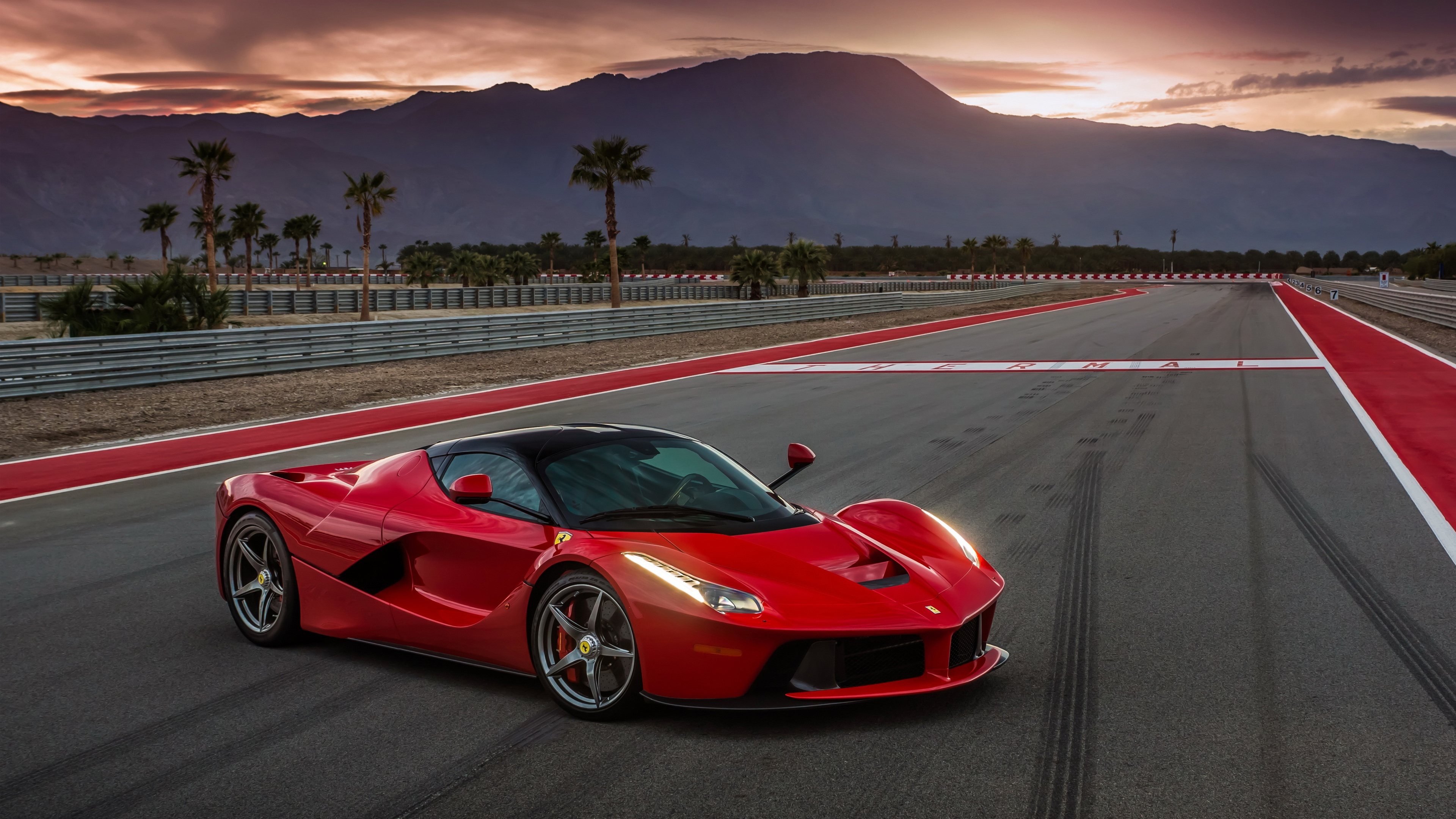 Ferrari Laferrari Wallpapers HD 4k 3840x2160.