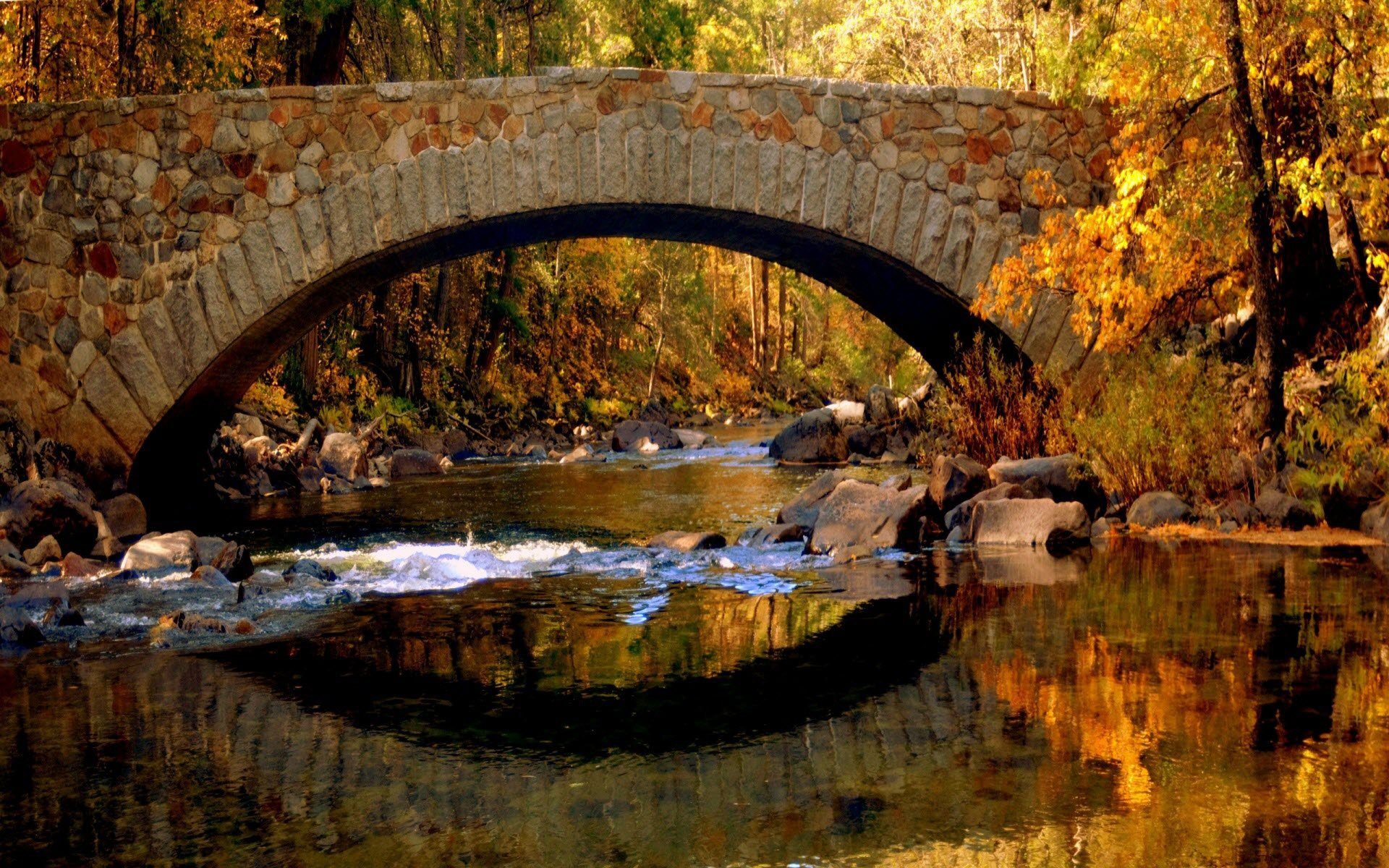 Download Free Autumn River Wallpaper.